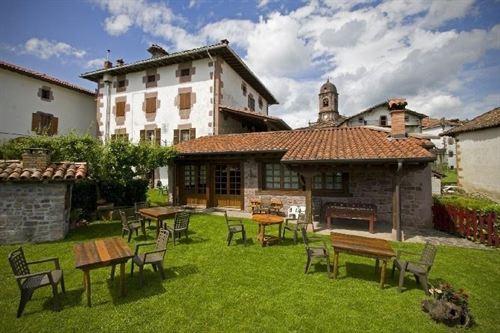 La comunidad de madrid presenta una ley de viviendas rurales sostenibles comunidad ism - Casas rurales en el norte de espana ...