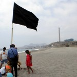 Ecologistas en Acción otorga este año 79 Banderas Negras a los lugares más degradados de nuestra costa
