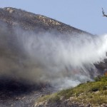 El viento y las temperaturas dan una tregua en la lucha contra el fuego
