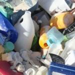 ¿Qué debemos hacer con los residuos de plástico?