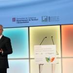 """Jeremy Rifkin: """"Ya no se entiende un sistema económico que no tenga en consideración la sostenibilidad"""""""