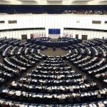 La comisión jurídica del Parlamento Europeo aprueba la candidatura de Arias Cañete