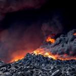 Arde el cementerio de neumáticos de Seseña