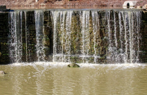 Patentan un sistema de depuración de aguas residuales con microalgas más efectivo y económico