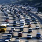Trump avanza en su plan para relajar la restricción de emisiones en los coches