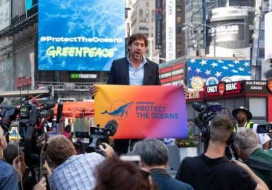 Javier Bardem en Times Square. Imagen. Greenpeace
