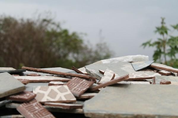 Toneladas de escombros acaban en vertederos ilegales en toda España