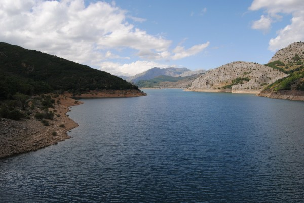 embalse barrios de luna